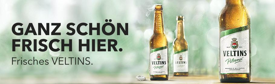 Werbeanzeige Frisches Veltins Pilsener gezapft oder aus der Flasche ein Genuss