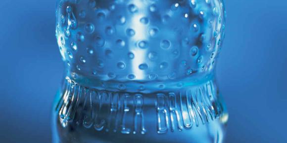 Poolflaschen für Mineralwasser legen weiter zu