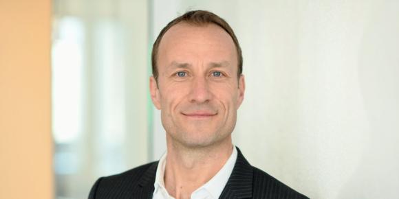 Volker Büttel erweitert Vorstand