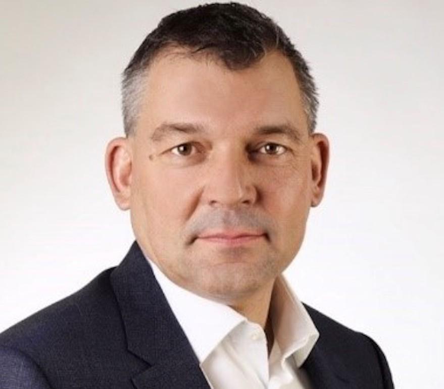 Georg Schneider gibt Verantwortung ab