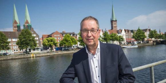 Philipp bleibt Präsident