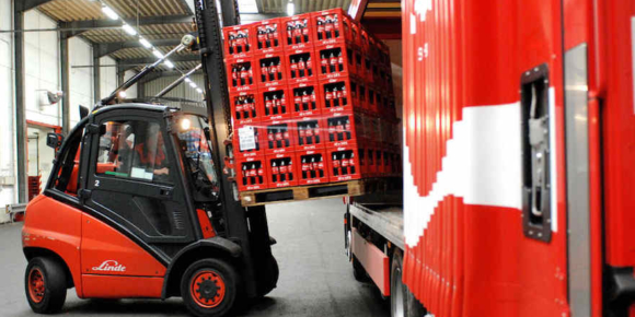 Coca-Cola schließt fünf Logistikstandorte