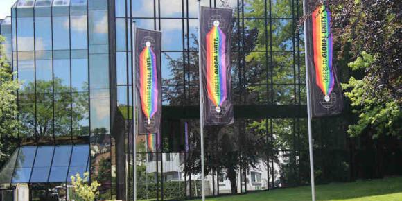 Warsteiner Brauerei zeigt Flagge