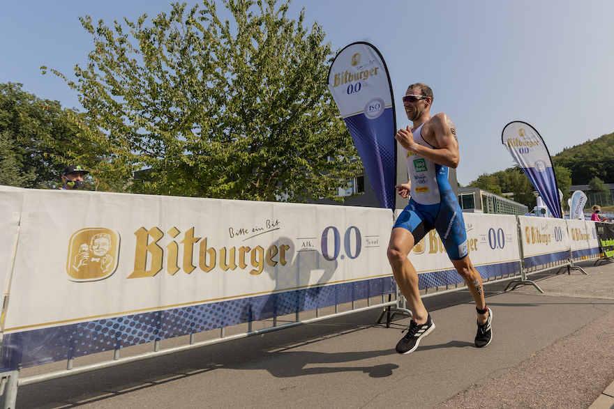 Bitburger 0,0 % bleibt Partner der Triathleten